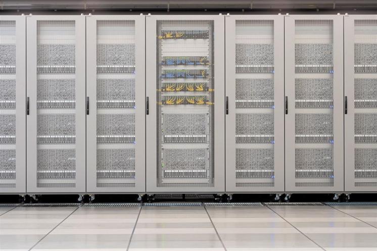 深層学習用スーパーコンピュータMN-3